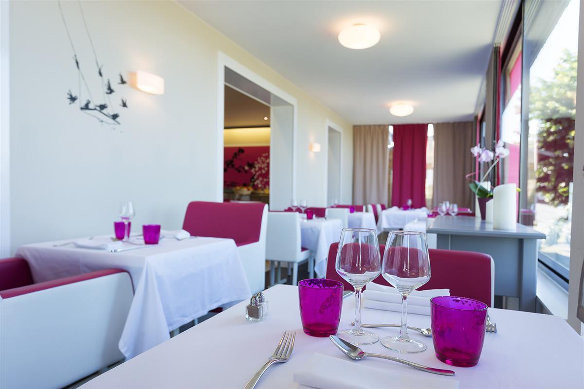 promo sejour le mans hotel pas cher le mans h tel restaurant aliz a saint saturnin. Black Bedroom Furniture Sets. Home Design Ideas